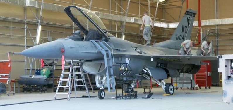 Airmen maintaining F-16 at Kandahar Air Field, Afghanistan